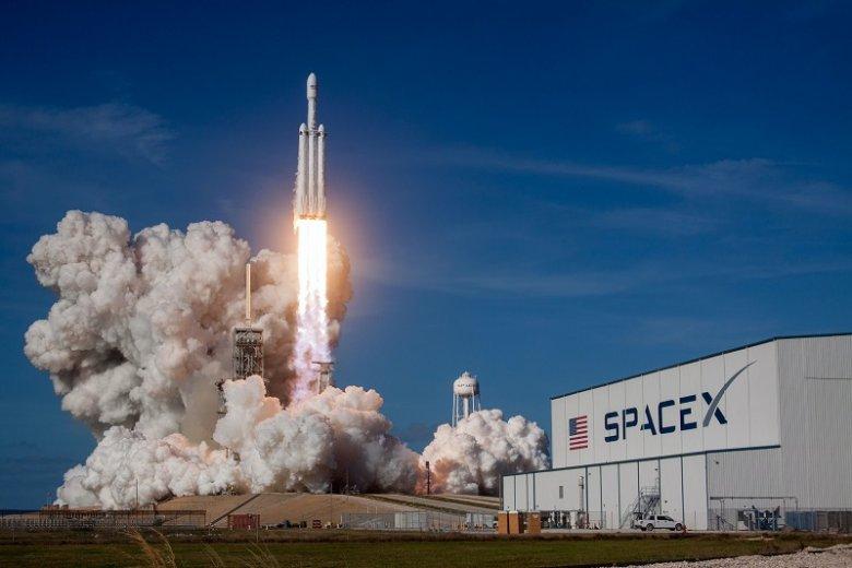 Falcon Heavy, najcięższą rakieta nośna na świecie.